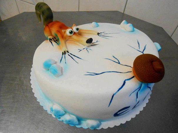 gambar kue ulang tahun desain kartun unik